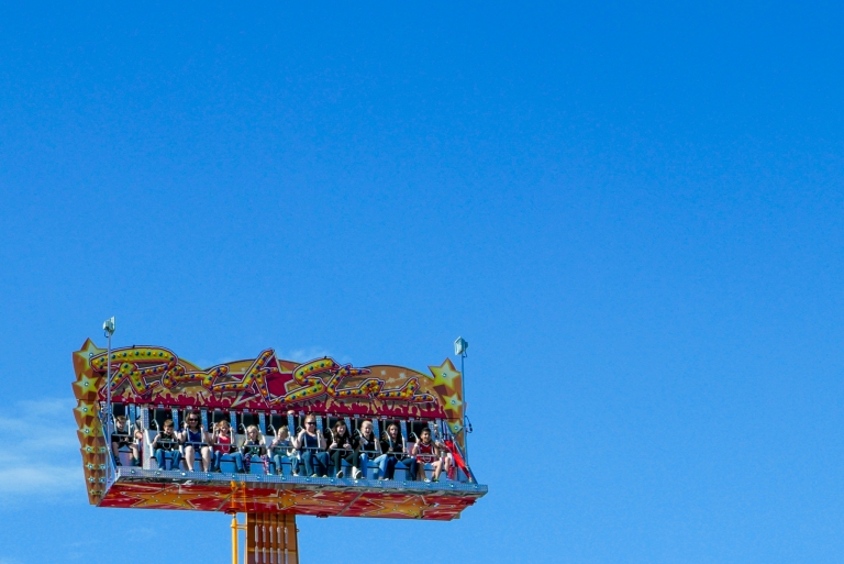 Midway Ride.  Leica D Lux Typ 109 (1/1000s f8 ISO200)